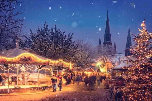 Marché de Noël illuminé