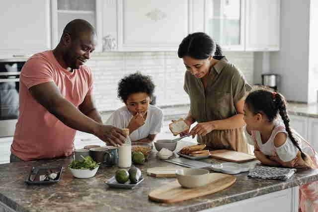 Le partage et les activités familiales pour une éducation positive